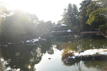 白い九条池