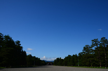 夏空の京都御苑