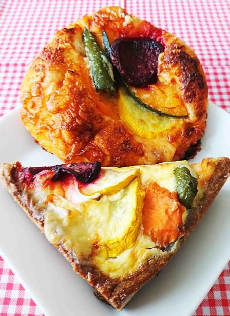 マルマル キッシュとピザ