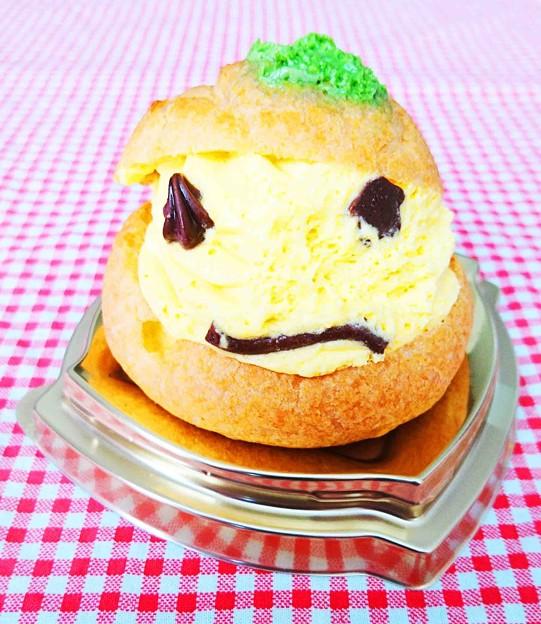 写真: おばけかぼちゃのシュークリーム