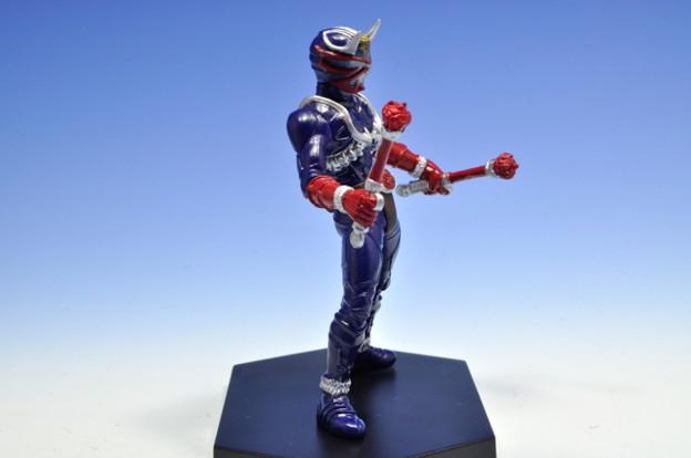 バンプレスト_仮面ライダーシリーズ モーションフィギュア 仮面ライダー響鬼_003