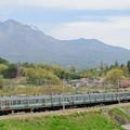 Photos: 八ヶ岳と211系中央線普通電車