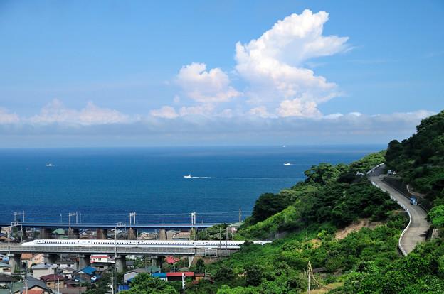 夏雲と新幹線