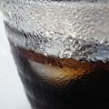 写真: 汗をかいたグラス