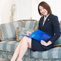 Photos: 「ご挨拶が遅れました。私、エリーナ法律事務所の所長、沢井えりなと申します」