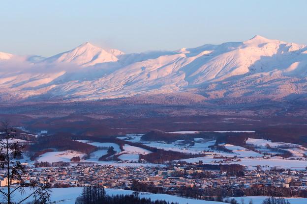 夕染めの雪山1