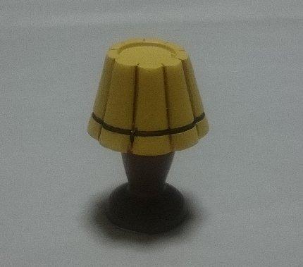 写真: レトロ風 オブジェ ランプ