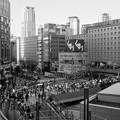 写真: ヨドバシカメラを眺める-01175