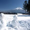 写真: 家族の雪だるま。