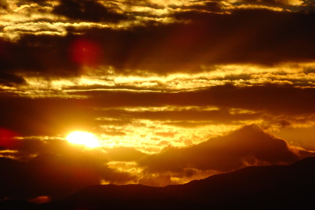 写真: 雲の山