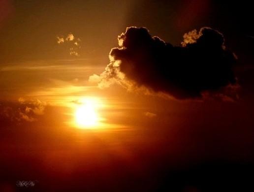 夕暮れは雲のはたてに・・