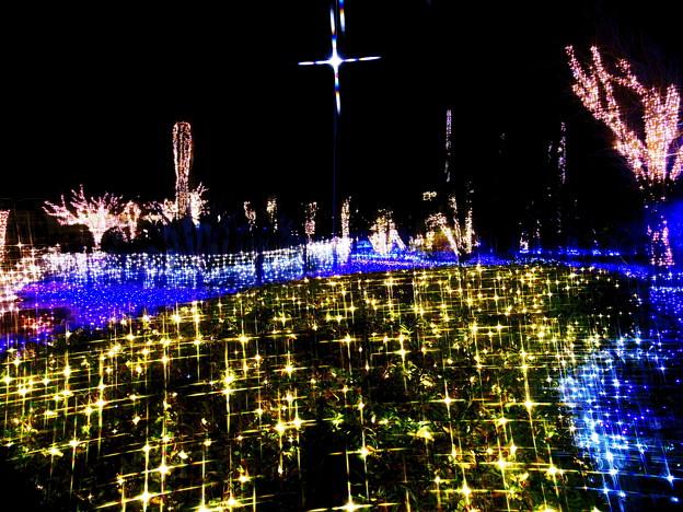 写真: 輝く十字架