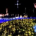 輝く十字架