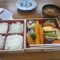 お昼の弁当2