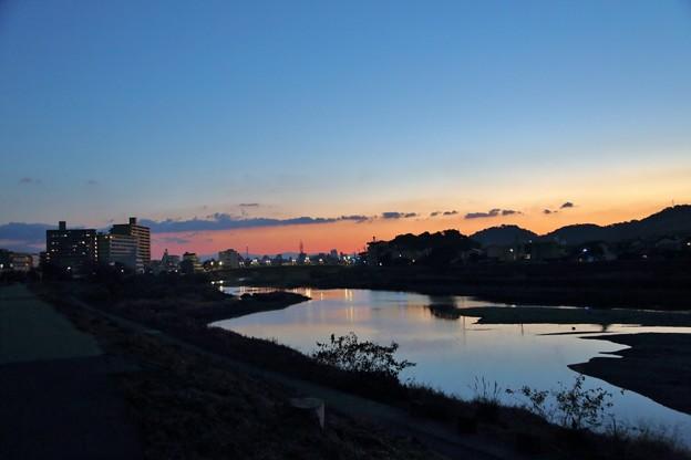 鏡川の朝.4