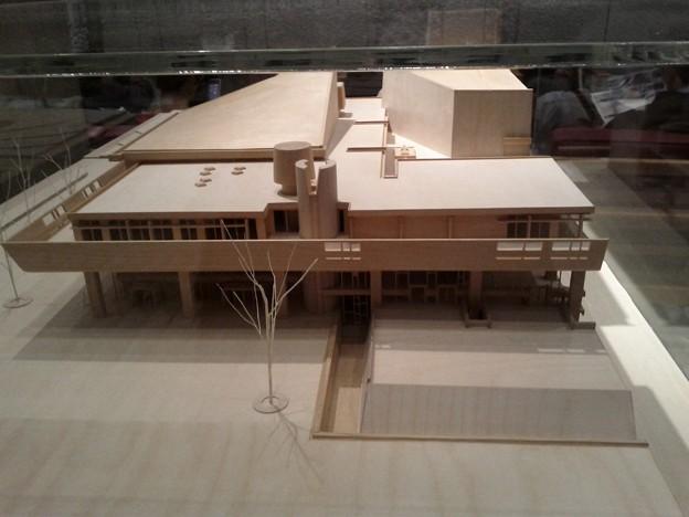 東京文化会館模型(正面)
