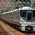 225系8両+223系4両の普通列車