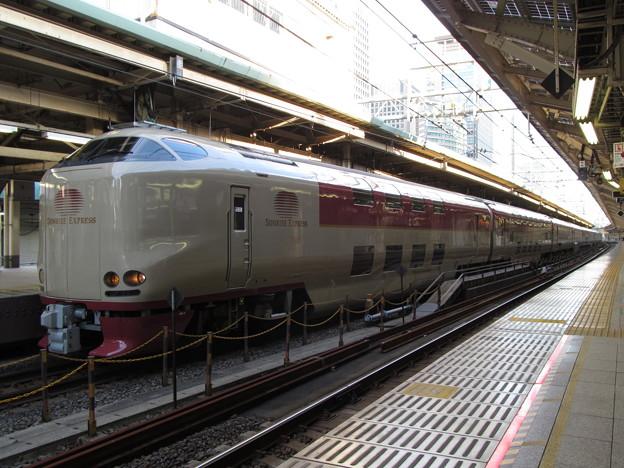31分遅れで東京駅に到着したサンライズ