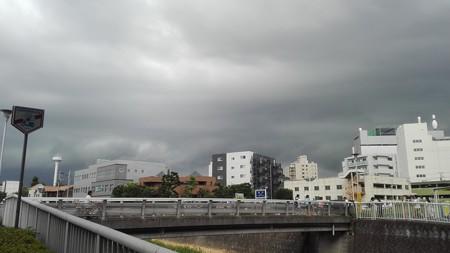 雨雲が急接近