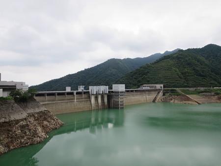 宮ヶ瀬ダム 渇水中