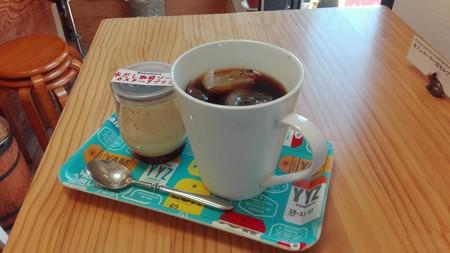 水出しアイスコーヒーとプリン