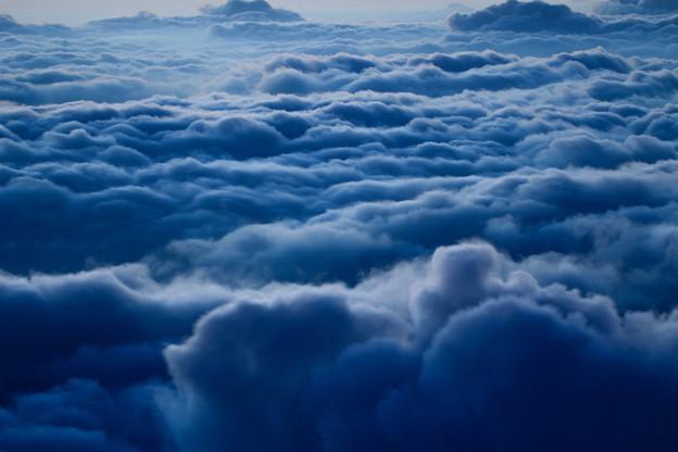荒れる雲海
