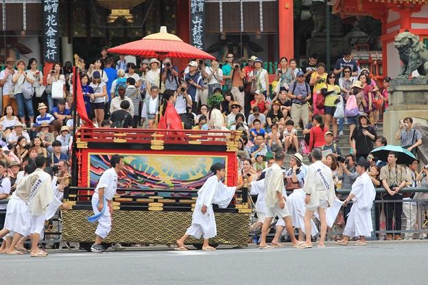 八坂神社前の織商鉾