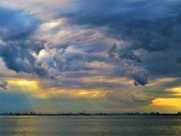 写真: 荒ぶる雲