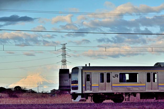 写真: 一・富士 二・電車 三・鉄塔 (意味不明)^^