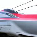写真: 秋田新幹線「こまち」E6系