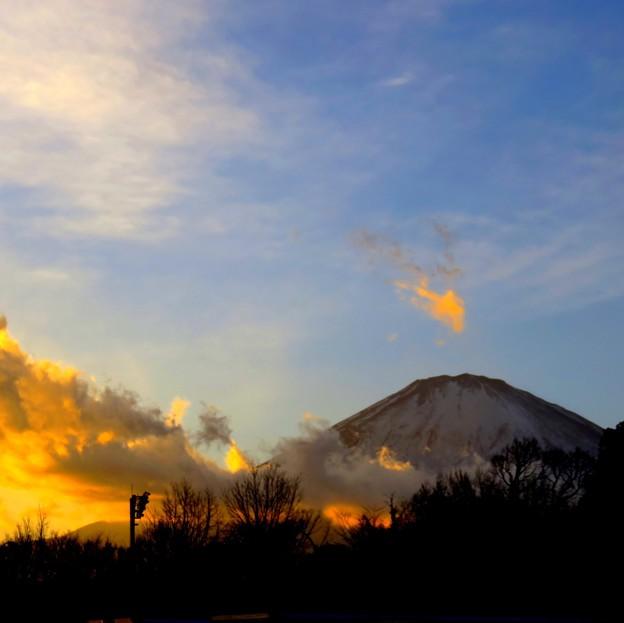 写真: 夕暮れ富士