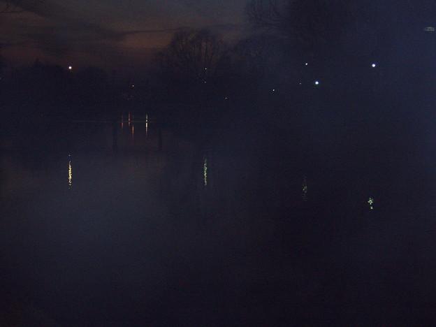 河辺の夕暮れ