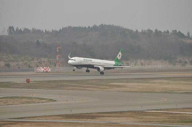 秋田空港 エバー航空 17-04-16 15-15