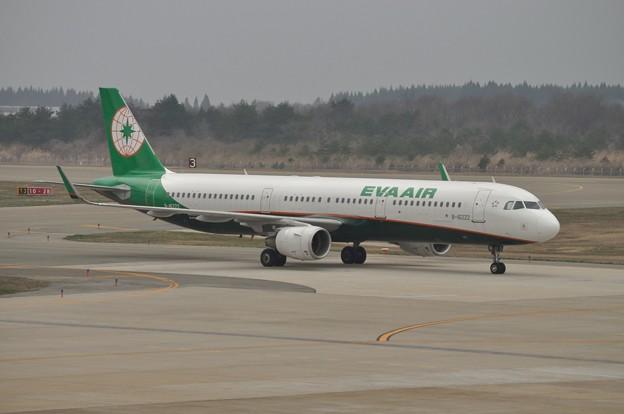 秋田空港 エバー航空 17-04-16 15-18