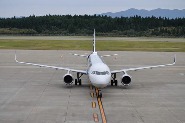 ANA A321ceo 秋田空港 17-10-06 15-05_01