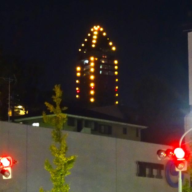 星ヶ丘駅前から見えた、東山スカイタワーのイルミネーション - 2