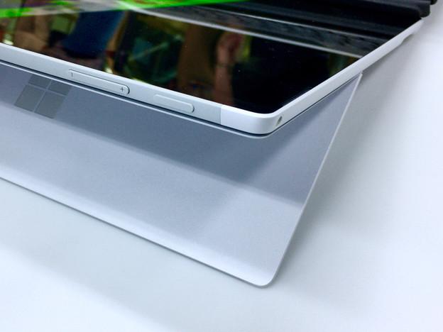 ヨドバシカメラ マルチメディア名古屋松坂屋店で先行展示されてた新しい「Surface Pro」 - 5