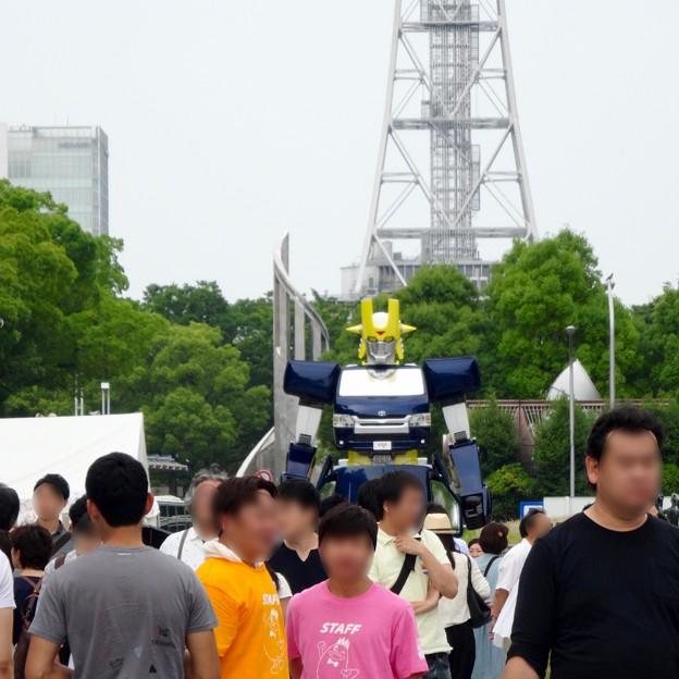 あいちめし地域応援合戦 2017:トヨペットのロボットキャラ(?)「スライジャーロボ」 - 6