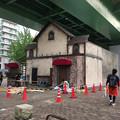 写真: 矢場町交差点のお化け屋敷、今年(2017年)も建物の建設始まる!今年のテーマはレストラン