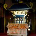 写真: 三光稲荷神社の金色の御輿(みこし) - 2