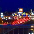 国道19号に架かる歩道橋の上から見た「春日井市民納涼まつり」の日の六軒屋町交差点 - 1
