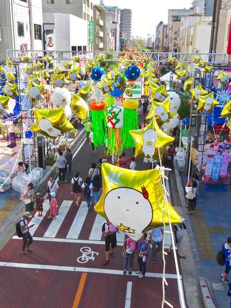 写真: 安城七夕まつり 2017 No - 22:安城駅前の通りの七夕飾り