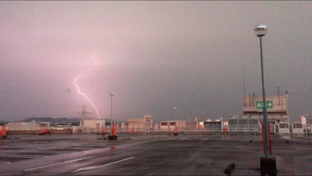 イオン小牧店屋上駐車場から撮影したスーパーセルの雷(2017年8月22日) - 45
