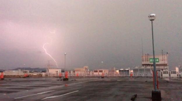 イオン小牧店屋上駐車場から撮影したスーパーセルの雷(2017年8月22日) - 47