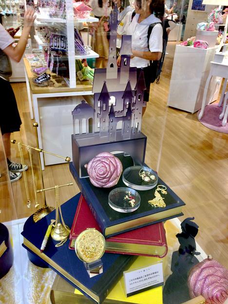 Photos: 今月始め(8月1日)にオープンしたばかりの「ディズニーストア 名古屋ゲートタワーモール店」 - 5