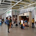写真: オープン1ヶ月後でも大勢の人で賑わう「IKEA長久手」 - 15:入り口前の子供預かりセンター「スモーランド」
