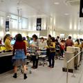 写真: オープン1ヶ月後でも大勢の人で賑わう「IKEA長久手」 - 78:2階にあるカフェ