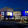 写真: オープン1ヶ月後でも大勢の人で賑わう「IKEA長久手」 - 88:夜の店舗