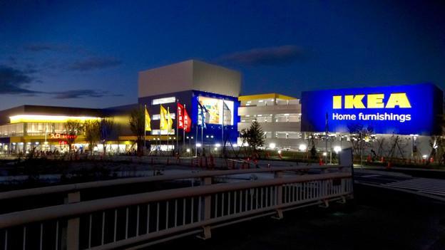 Photos: オープン1ヶ月後でも大勢の人で賑わう「IKEA長久手」 - 89:夜の店舗