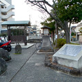 写真: 伊奴(いぬ)神社前の庄内用水 - 1